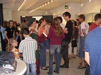 Bild von den Besuchern der Prämierung im Rathaus-Foyer