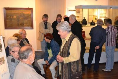 Bild von der Ausstellungseröffnung »Krieg im Dorfleben - Dorfleben im Krieg«, Generationen im Gespräch, 2012