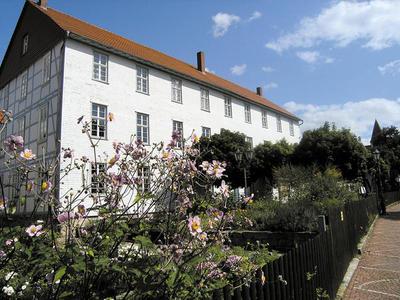 Bild der Außenansicht des Regionalmuseums Alte Schule Kaufungen