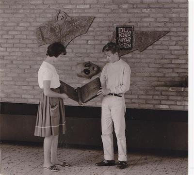 Bild 1_Mahnmal 1963