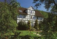 Bild eines Fachwerkhauses am Kirchplatz in Niederkaufungen